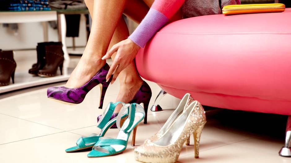 So dehnen Sie Ihre Schuhe