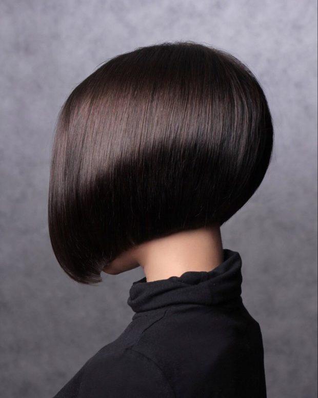 Bob Frisuren für kurzes Haar - Foto Ideal für kurzes dünnes Haar. Experten in der Modewelt behaupten, dass Haarschnitte perfekt für Frauen jeder Altersklasse sind. Friseure empfehlen sie auch für Personen mit ausgeprägten, breiten Wangenknochen und vollem Gesicht.