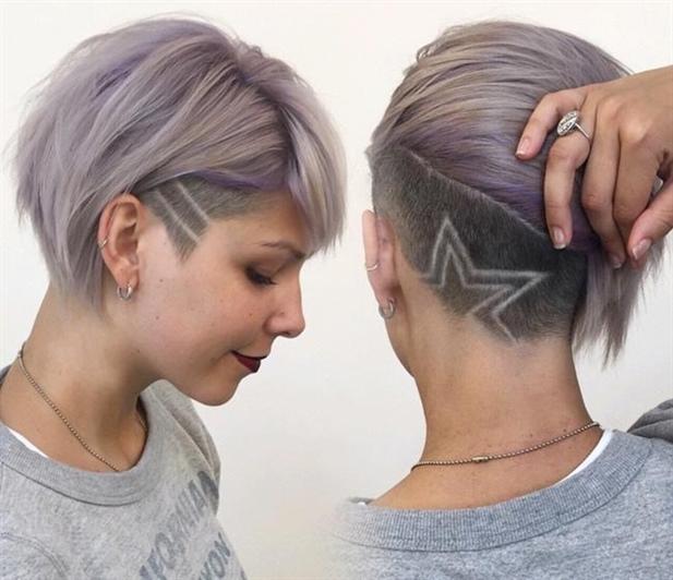 Haarfarben Trends 2020-2021 Neue Ideen  Flieder und Grau, die 2020 sehr ehrgeizig sind, werden sich 2021 bei den Jugendlichen einen Namen machen. Diese Farben sehen mit der Abkürzung unglaublich gut aus; Es hinterlässt auch ein großes Detail, indem es Haare auf das Haar tätowiert.