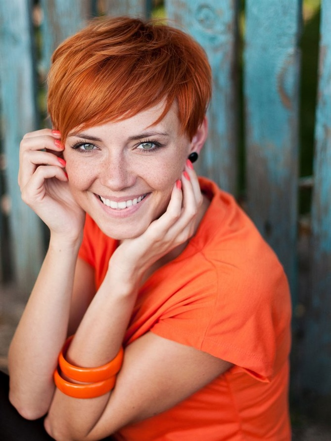 Red Layered Pixie Hairstyles A pixie cut really suits every hair color and women with thin hair also benefit from the sophisticated cut, which conjures up more volume in no time at all.