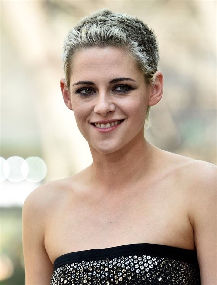 Short Hairstyles for Thin Hair Round Faces and Very Short Cut  If you are bored with your hair, it's time to be brave. Get a more masculine look with the buzzcut style, which is a very short hairstyle.