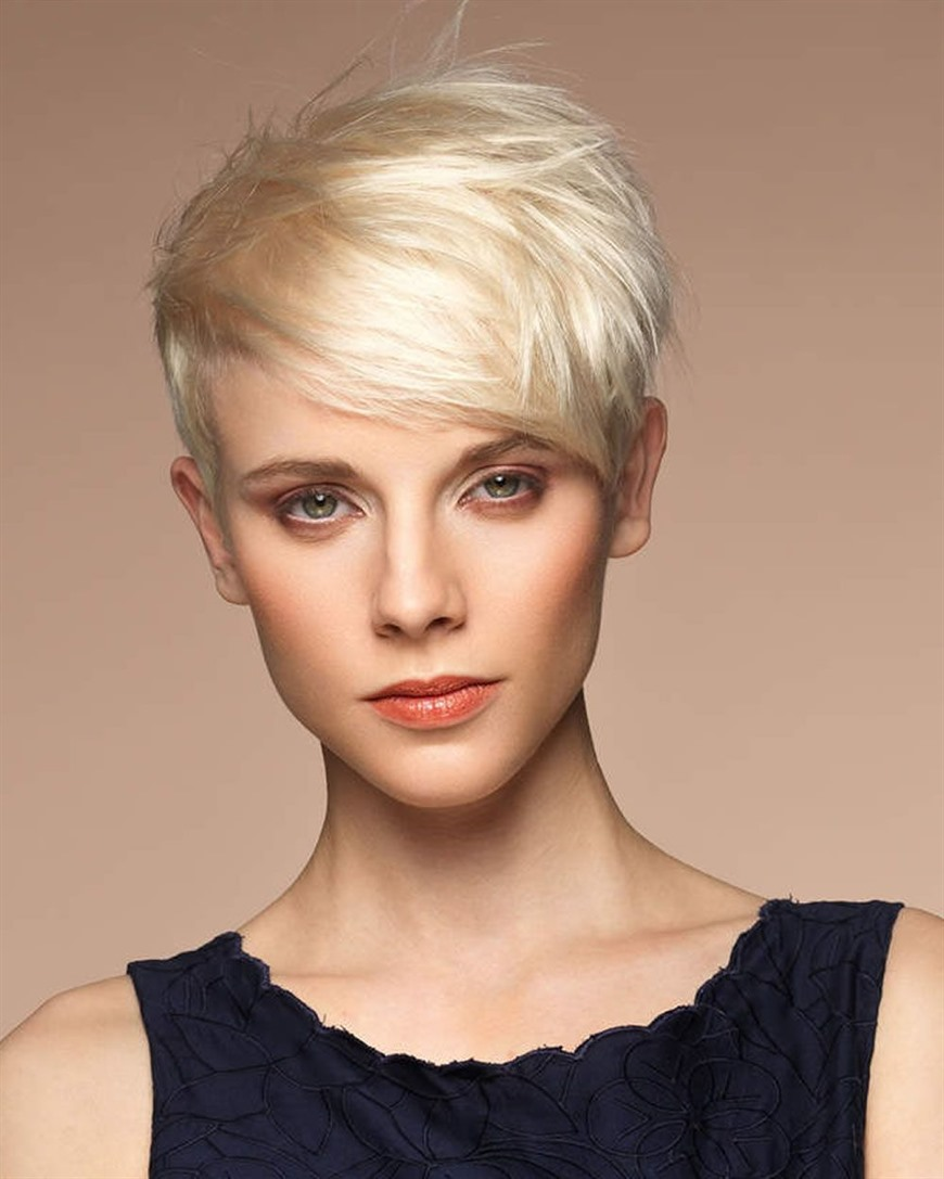 Best Short Pixie Hairstyles for Women  Don't you think this haircut looks very stylish? There are no limits in pixie cuts and if you are blonde, you are very lucky.