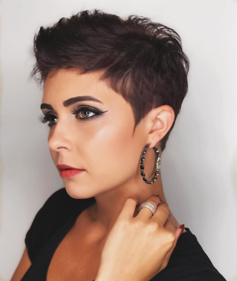 Funky Short Hairstyles Trendy  This model, which is preferred among men's hairstyles, has become indispensable for women. Ideal daily for women who prefer short hair.