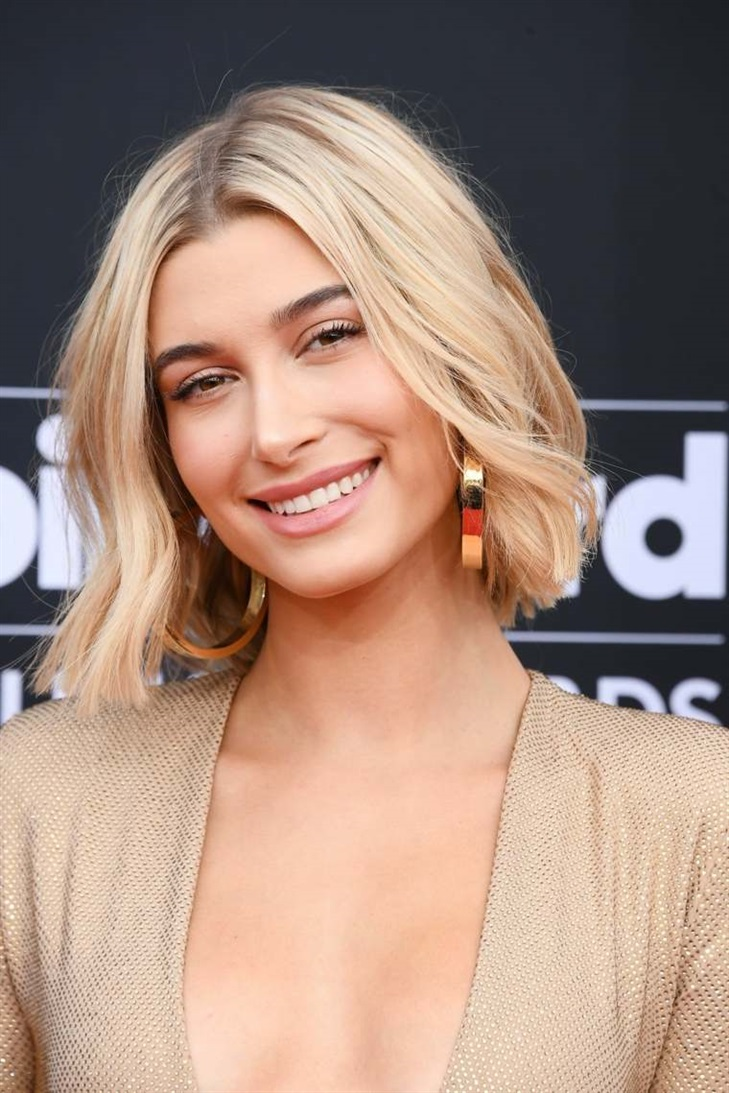 Bob Blonde Hairstyles 2020  An example of a hairstyle that fits perfectly for the 2020-2021 season.