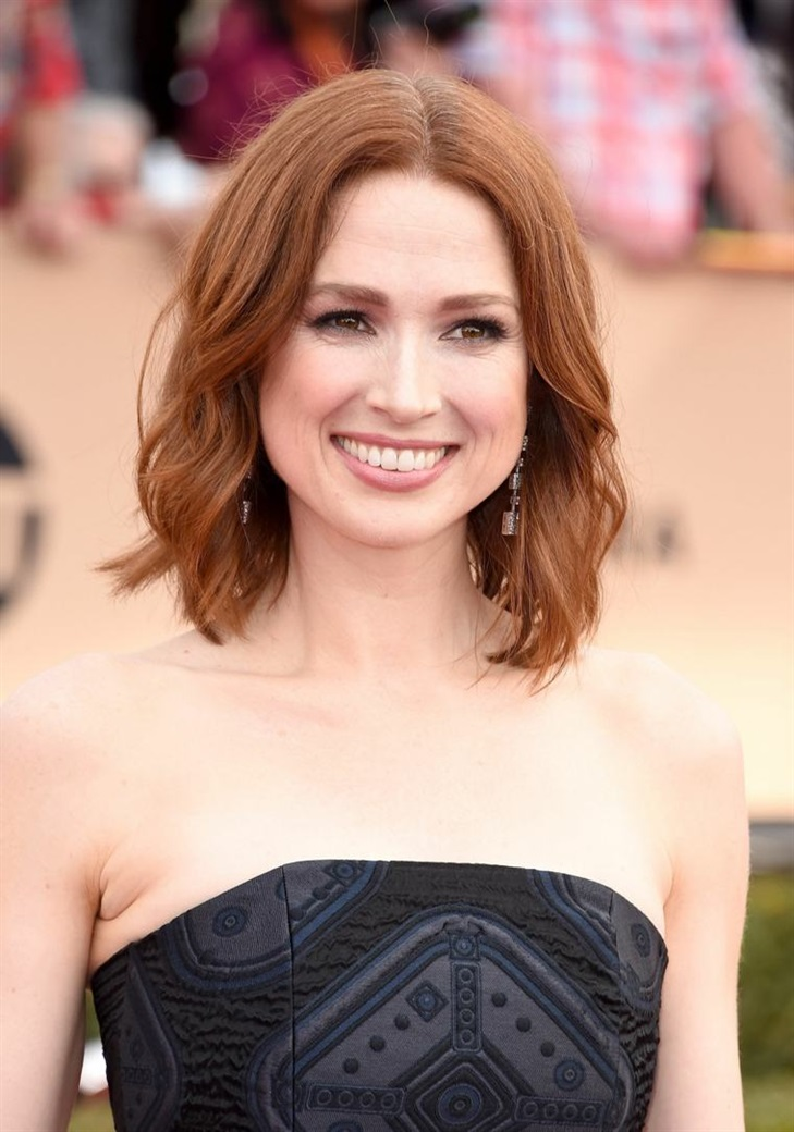 Bob Hairstyles 2020 Red and Wavy  For women with red hair, this model is very suitable. You can choose special occasions.