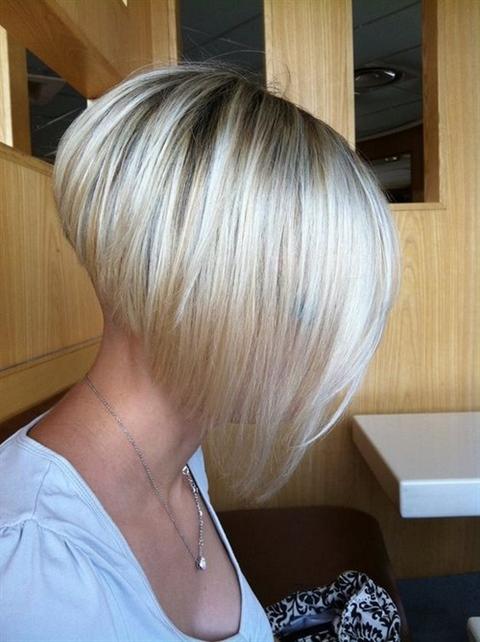 Bob Hairstyles Short at the Back