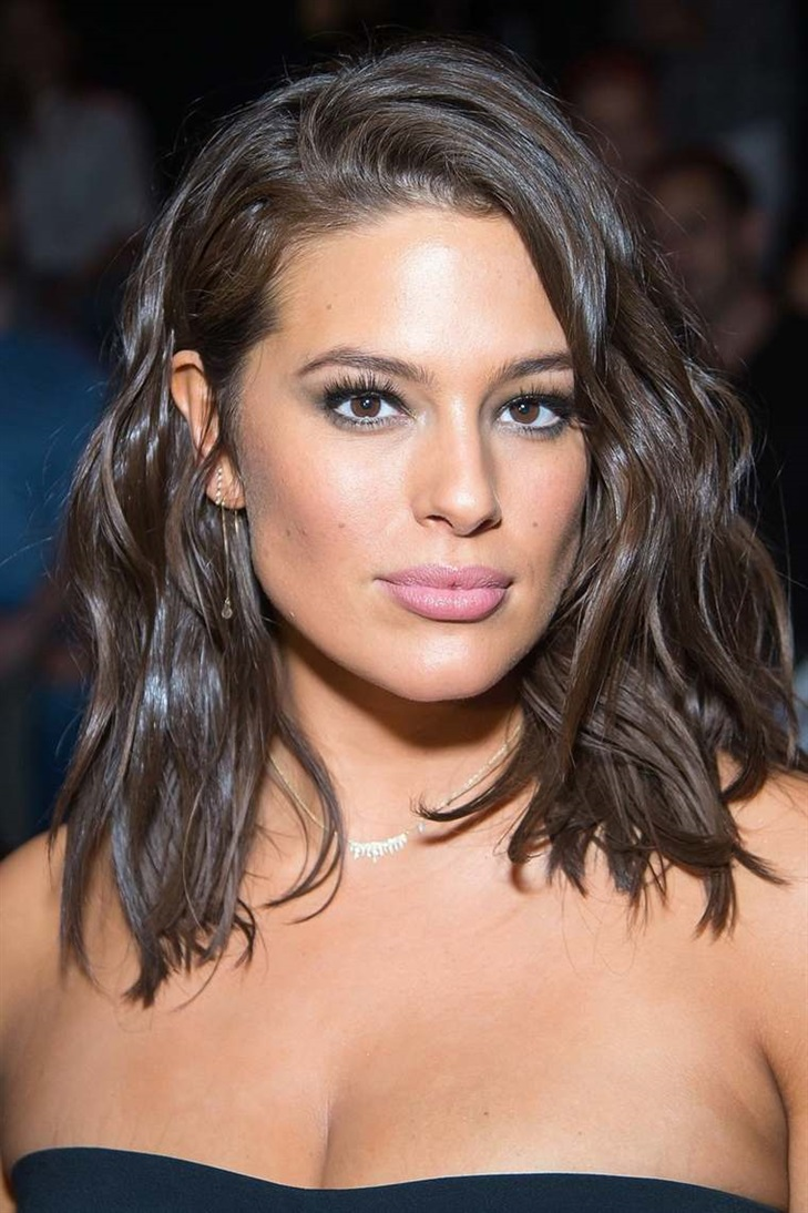 Long and Wavy Bob Hairstyles 2020  If you want to look stylish and sexy, be sure to try this hairstyle. You will see the difference.