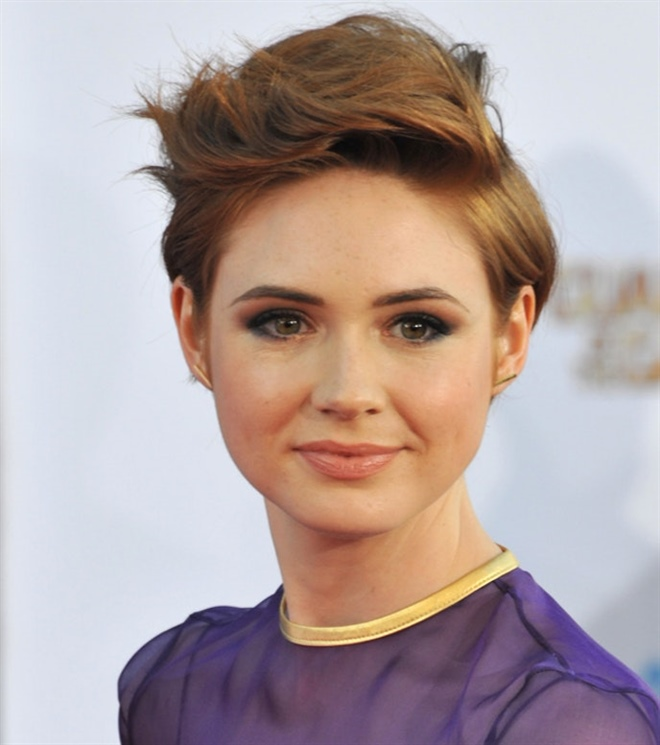 Short Hair Trends 2021 Karen Gillan  How often do I want to go to the hairdresser? If you are the type who goes to the hairdresser once a year, then you will find that you do nothing but sit in a hairdresser's chair. A page does not require as many visits, but a very short hairstyle requires you to go to the hairdresser every 10-12 weeks.