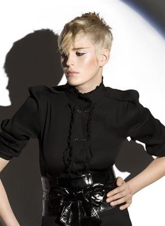 Short Haircut Style for Ladies