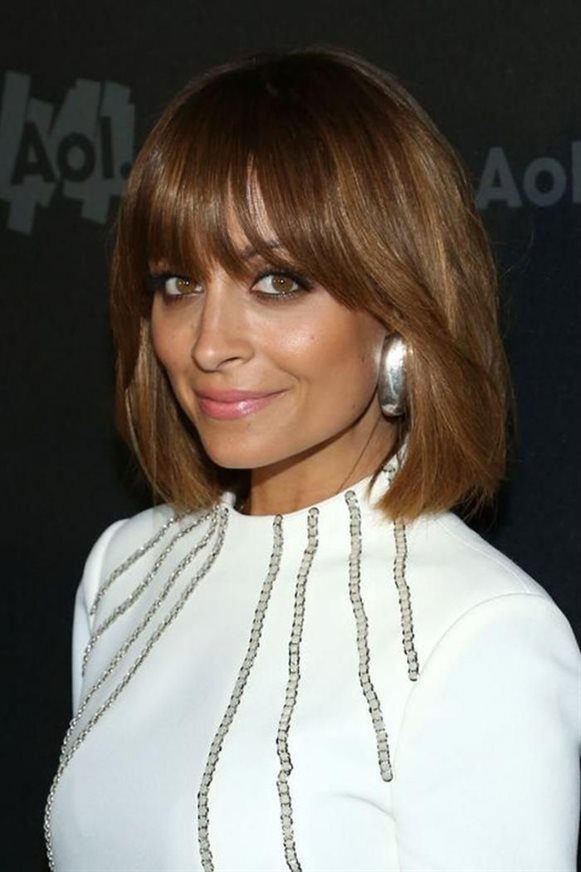 Bob Haircut Ideas for Fine Hair This medium length bob cut will take you a little older. It appears as a retro model that looks like the hairstyle of the 90s.