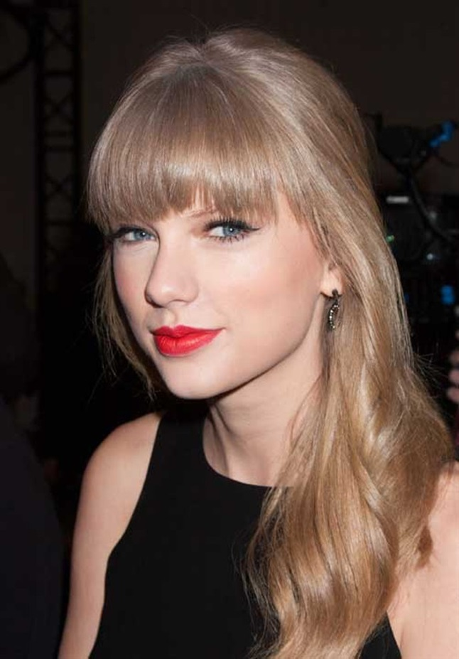 Taylor Swift Hairstyles with Bangs It's hard to imagine singer Taylor Swift without bangs. Over the years, it has been styled in different ways, but the straight bangs are a favorite that goes again.
