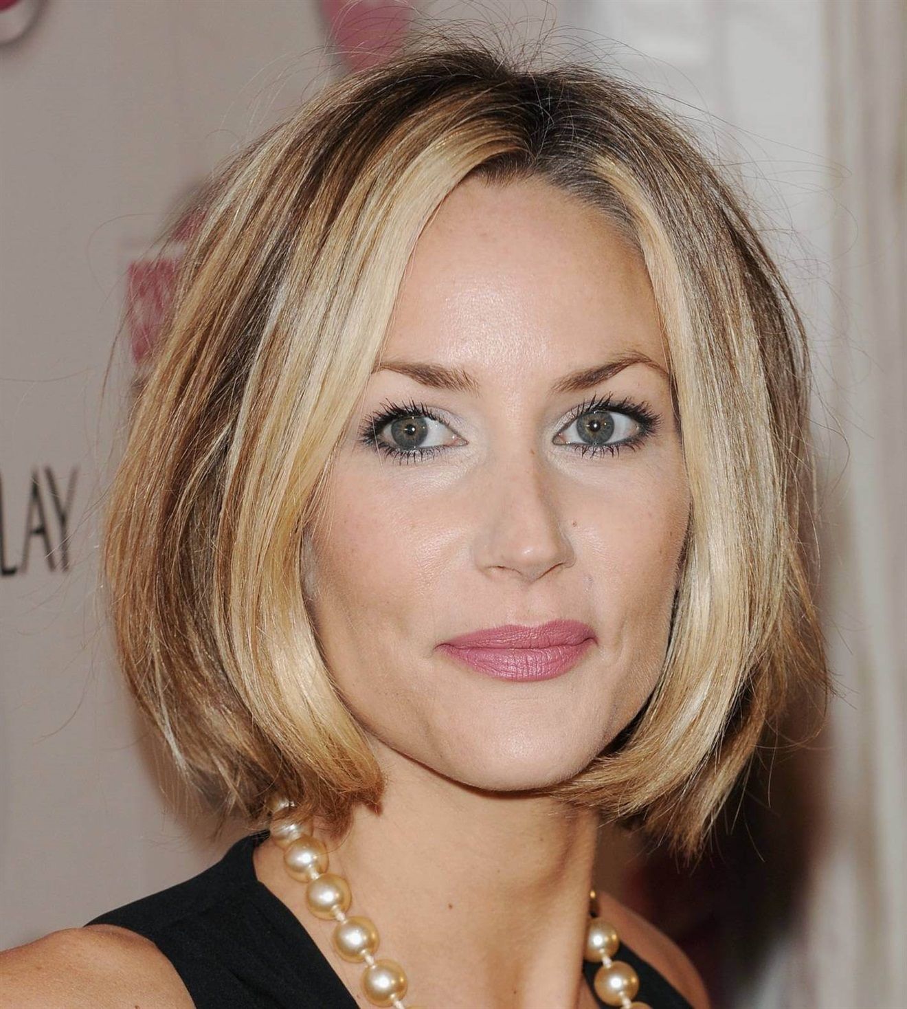 Bob Hair Ideas for Over 40 Love yourself with this haircut, which is also very popular for women in their 40s. It's not your age that matters. Your self-confidence will make the other party forget your age.