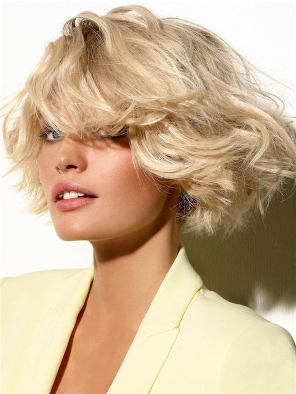 Bob Hairstyles 2021 Curly Curly and wavy bob hairstyles add a great flair to women. This model, which provides self-confidence as well as sexiness and charm, is generally preferred. You can try it at home with the help of a tongs. It doesn't matter whether you are naturally or artificially curly.