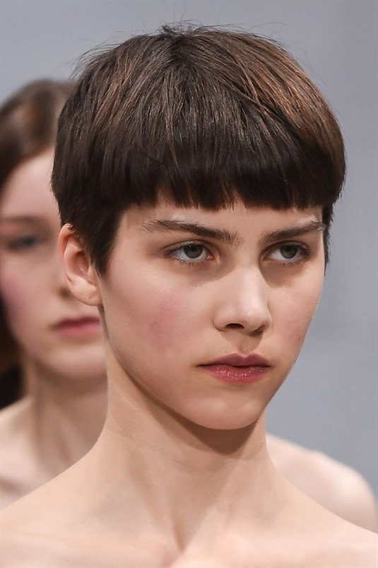 Cute Short Hairstyles Easy This asymmetrical cut short hair style, which is easy to do, is also one of the most preferred models. This hairstyle, which you can see quite often in South Korean TV series and anime series, is very popular with many young girls and women.