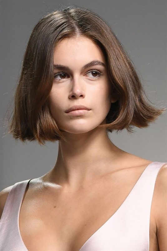 Cute Short Hairstyles for Medium Are you looking for a short hair style that suits your face? Well then how about a short hair shortened medium length. Women with a high forehead may prefer it.