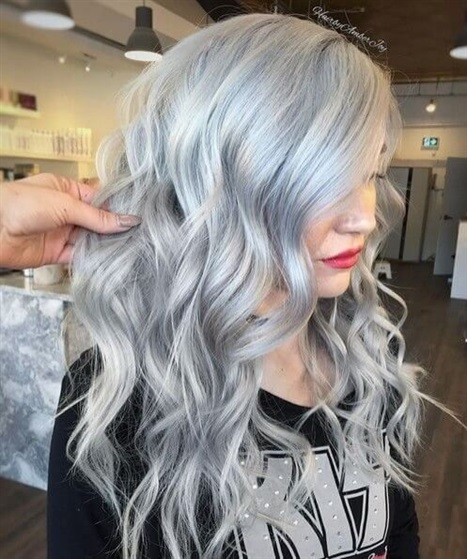 Hair Colour Ideas For Long Hair The most popular color options for long hair are shades of gray. Light gray and long hair can be a good combination.