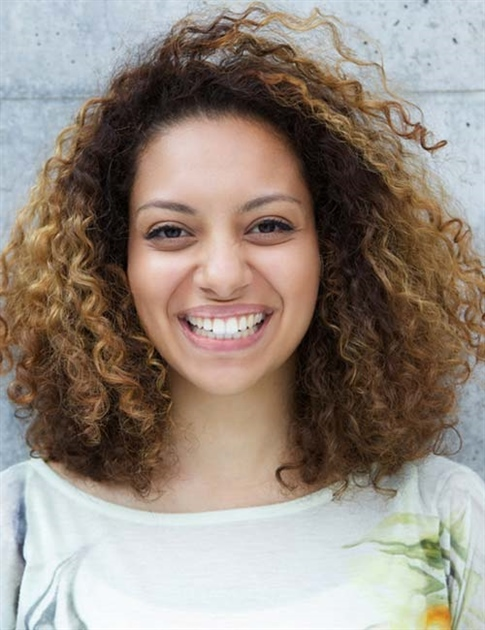 Medium Lenght Curly Hairstyles 2021