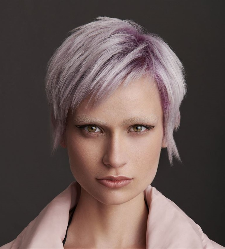 New Short Hair Style Platin and Purple  Do not hesitate to apply layers of dyes to your hair. It will be very attractive when applied to your hair in layers with purple color.