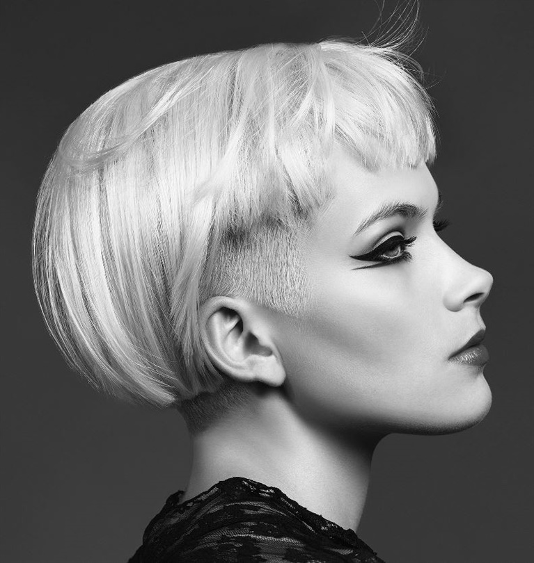 New Short Hair Style Undercut  This hairstyle with very short sides is especially popular with women with platinum colored hair. With hair that reveals the self-confidence of the woman, draw the attention around you.